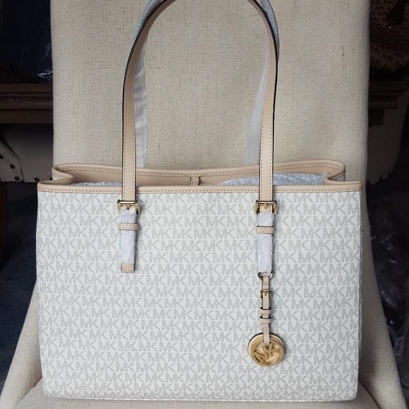 NWT Michael Kors jet set travel LG EW tote vanilla Boutique